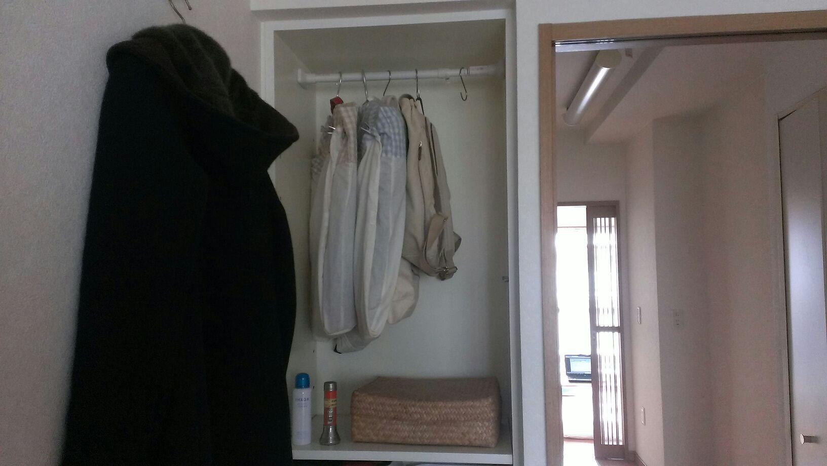 スーツとカバン