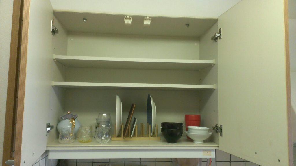 食器棚ビフォア