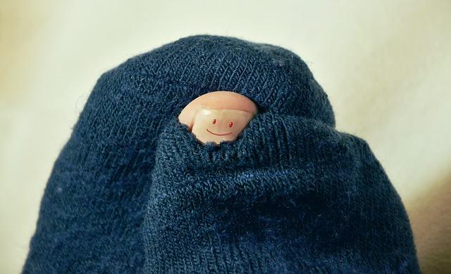 ミニマリストは靴下を繕う