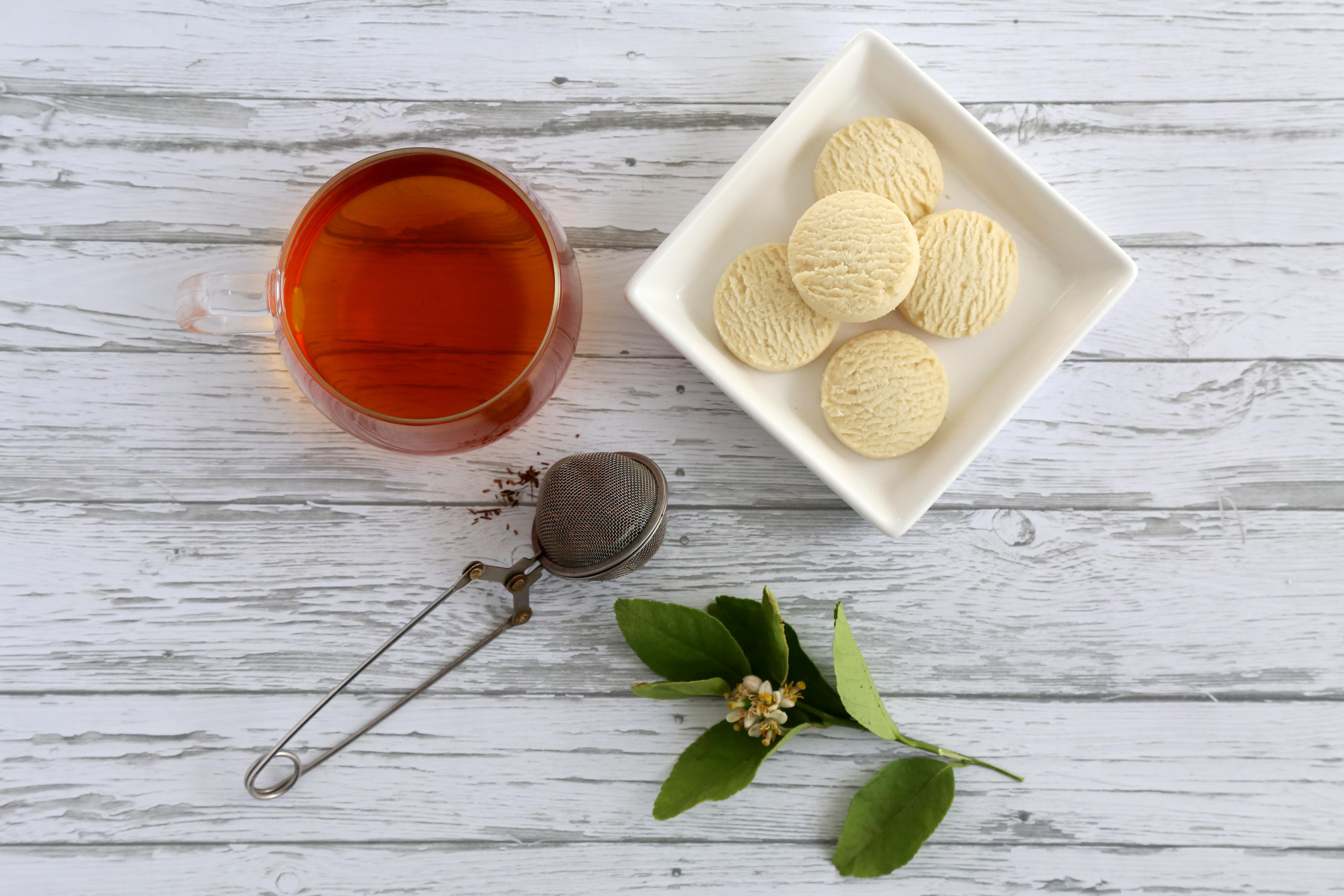 紅茶と紅茶味のクッキー